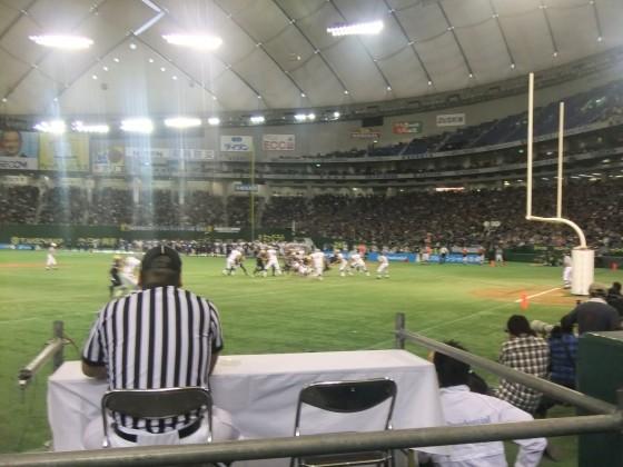 すぐ目の前に選手たち! 第65回ライスボウルを東京ドームで観戦 撮影:高橋典幸