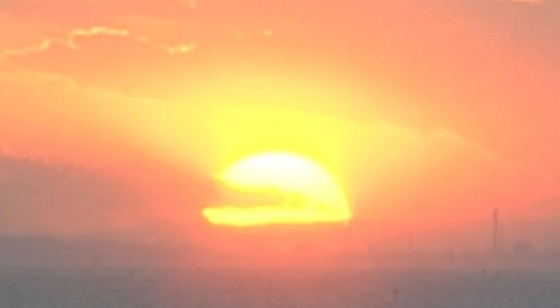 沈みゆく美しい夕日 京成ホテルミラマーレ 16階 宴会場 イル・ミラマーレより