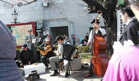 東京大衆歌謡楽団 街頭演奏「吾妻橋」 浅草側 隅田公園 2014年3月30日(土)